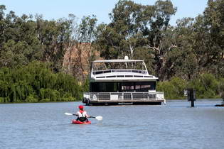 Houseboat Rental SA